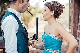 Un trash the dress façon Bonnie and Clyde