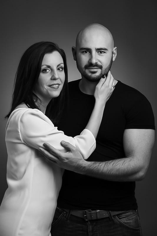 Photographe Portraitiste de France couple en noir et blanc